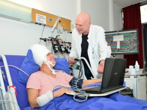 prof-dr-dr-florian-mormann
