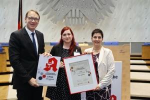 (v.l.n.r.): Thomas Preis (AV Nordrhein), Julia Lanzenrath und Ministerin Barbara Steffens; © AVNR